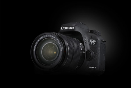 EOS 7D Mark II Black Beauty 08 kopie